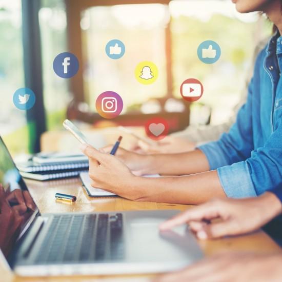 Community manager (contenido para redes sociales)