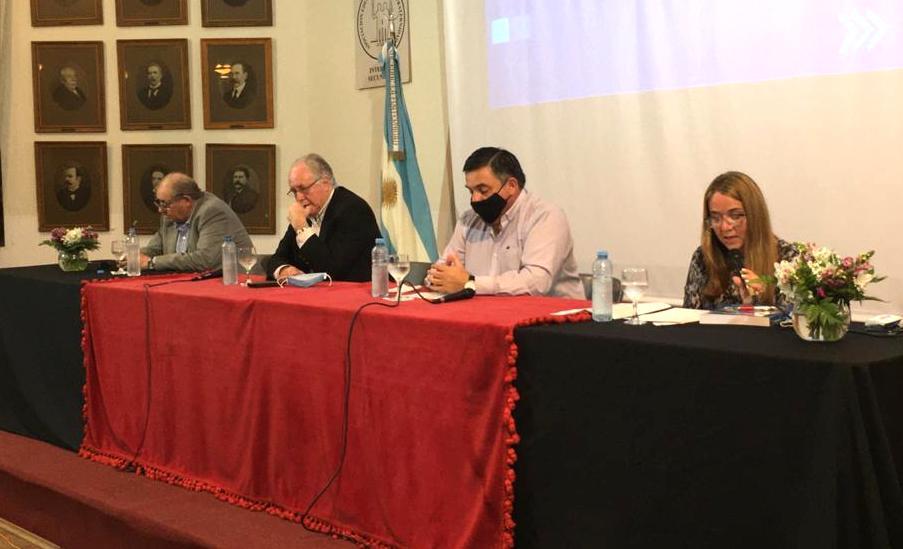 Orlando Busiello presentó su nuevo libro editado en UCU